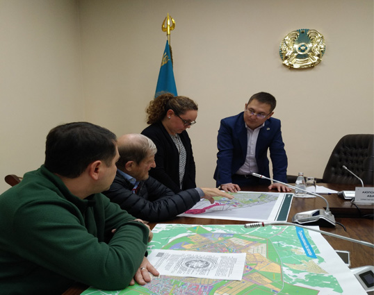 Discussing the development concept in the immediate context of the Buffer Zone of the Mausoleum of Khoja Ahmed Yassawi with the Mayor of Turkestan city. Kazakhstan. 2020